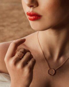 bague et pendantif ikra or rose mounier bouvard